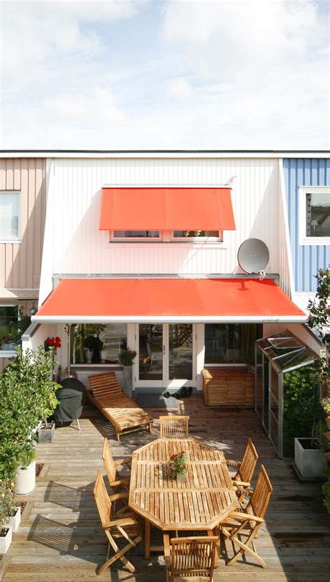 retractable awnings motorized  manual