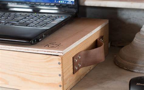 bureau nomade bureau nomade un diy upcycling avec une caisse en bois
