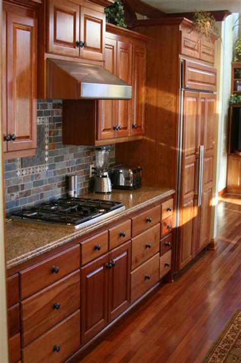 Backsplash Ideas For Cherry Cabinets by Tile Backsplash Ideas For Cherry Wood Cabinets Home
