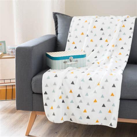 plaid motif triangles en tissu blanc    cm zoe