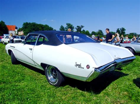 File:Buick Special DeLuxe 2.jpg - Wikimedia Commons