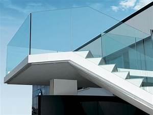Parapetto in alluminio e vetro per finestre e balconi THEATRON By METRA
