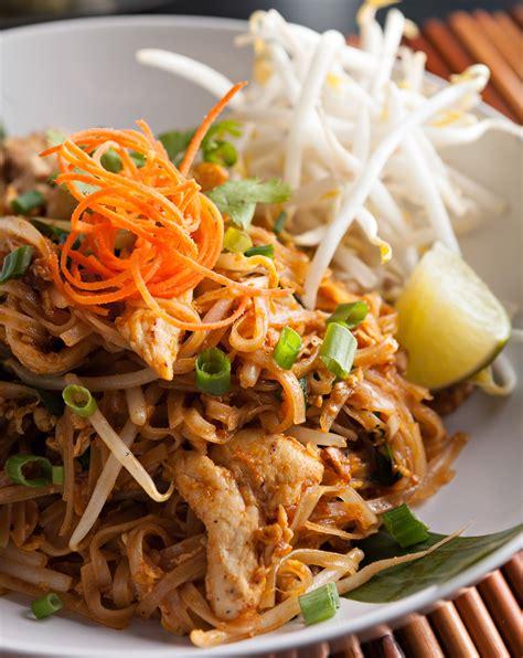 thai chicken chicken pad thai