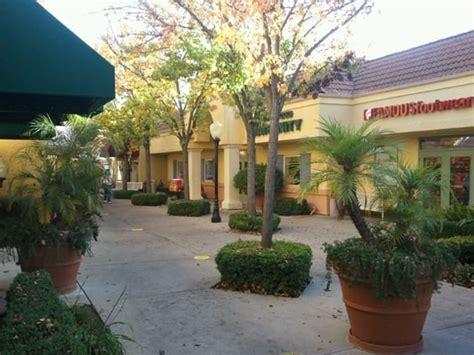 foto de Folsom Premium Outlets 23 Photos Shopping Centers