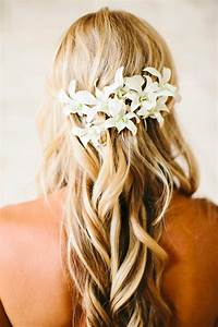 Best Beach Wedding Hairstyles: Tips and Ideas EverAfterGuide