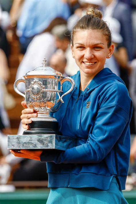 2018 French Open: Simona Halep defeats Sloane Stephens in final | SI.com