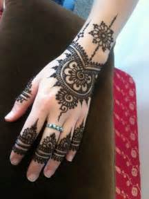 Pin Easy And Stylish Latest Arabian Mehndi Designs on ...