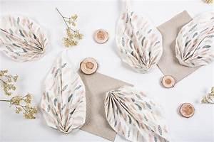 Serviette De Noel En Papier : tuto pliage de serviette de table en forme de feuille ~ Teatrodelosmanantiales.com Idées de Décoration