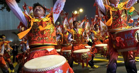 lunar  year reveals   worlds calendars