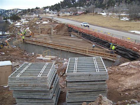 highway  cast  place box culvert construction hot