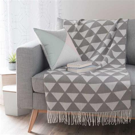 plaid gris pour canapé 17 meilleures idées à propos de plaid canapé sur