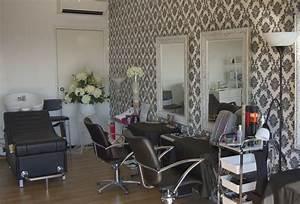 Garage Salon : my 2 hair styling work stations and basin where the creativity flows garage conversion home ~ Gottalentnigeria.com Avis de Voitures