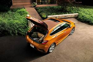 2017 Chevrolet Cruze Hatch Cargo Space 01