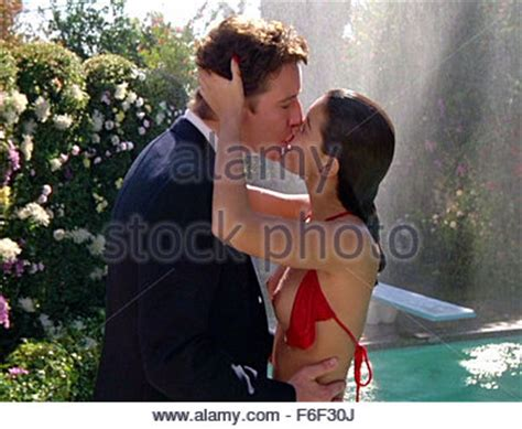 foto de JUDGE REINHOLD & PHOEBE CATES FAST TIMES AT RIDGEMONT HIGH