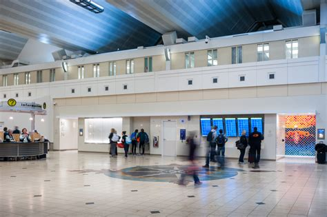 airport loos land top spot  americas  restroom