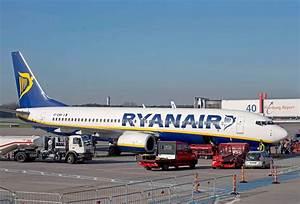 Webcam Airport Hamburg : flughafen hamburg ryanair expands services from hamburg ~ Orissabook.com Haus und Dekorationen