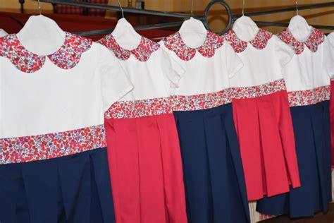robe pour mariage framboise robes fillettes de cort 232 ge de mariage marine et framboise