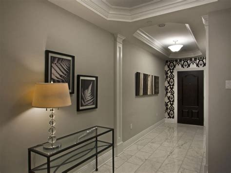 Amazing How To Decorate A Hallway
