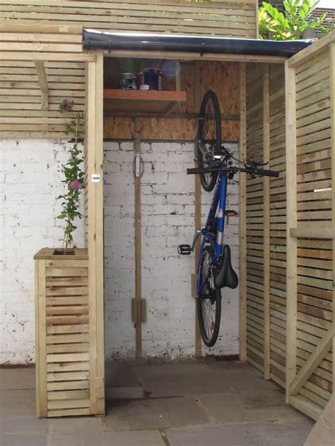 Backyard Storage Ideas by 25 Best Ideas About Outdoor Storage On