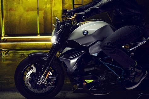Bmw Motorrad Concept Roadster Is Boxer Ducati-fighter