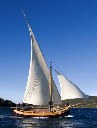 Sailing Boat Wikipedia by File Bracera Traditional Sailboat Croatia Jpg Wikimedia