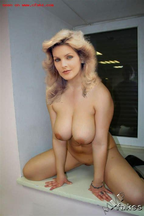 Lisa Marie Presley  nackt
