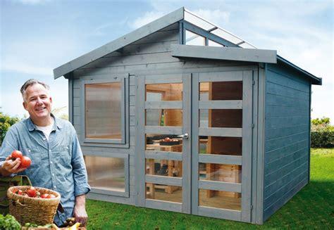 cuisine m騁al et bois l abri design et moderne pour une harmonie naturelle quot ma maison mon jardin quot