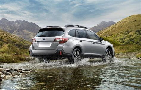 2019 Subaru Outback Awd & Accessories  Efficient Family