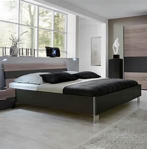 Bett Unterm Fenster : schlechtes feng shui im schlafzimmer vermeiden sie diese fehler ~ Frokenaadalensverden.com Haus und Dekorationen