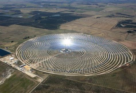 Thermosolar power station in Spain works at night