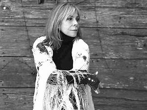 Rickie Lee Jones Embraces 'The Big Invisible' : The Record ...