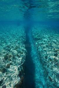 Underwater Trench | www.pixshark.com - Images Galleries ...