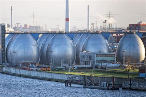 desalination plant water israel plants california shutterstock hamburg solar desalinating planetizen why proposed happened those located harbor eggs metallic flood