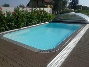 Plastový nebo laminátový bazén