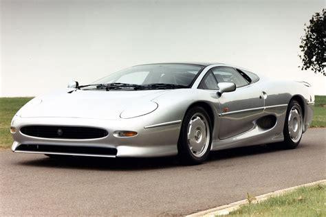 Birth of an icon: 1988 Jaguar XJ220 | Evo