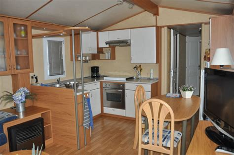 caravane cuisine caravane bürstner villa marine cing le val de l 39 aisne
