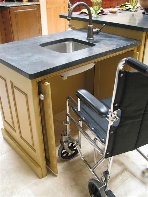 designing  wheelchair access traditional kitchen