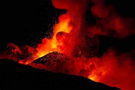 Slepkavīgie vulkāni, kas izraisīja badu un iznīcināja ...