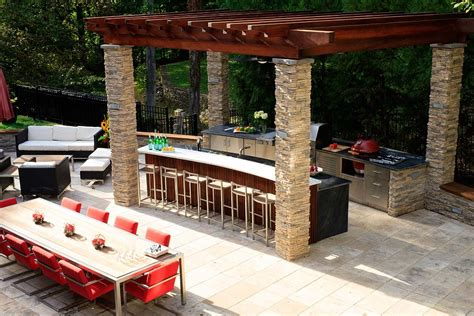 modern and classic outdoor kitchen dining design