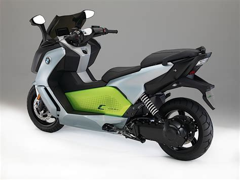 Bmw Moped by 2017 Bmw C Evolution Electric Scooter Makes Its Debut