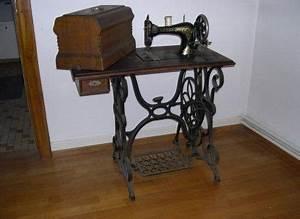 Ancienne Machine A Coudre : machine coudre ancienne machines coudre anciennes ~ Melissatoandfro.com Idées de Décoration