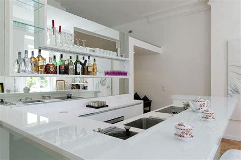 plan de travail cuisine en verre cuisine lineaquattro en verre blanc