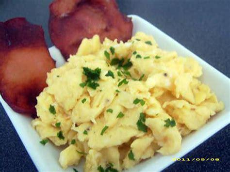 recette pates oeufs brouilles recette pates oeufs brouilles 100 images p 226 tes aux oeufs brouill 233 s le de wombi recette de