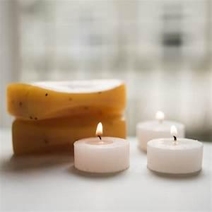 Kerzen Und Seifen : nahaufnahme von brennenden kerzen und seifen im badekurort download der kostenlosen fotos ~ Watch28wear.com Haus und Dekorationen