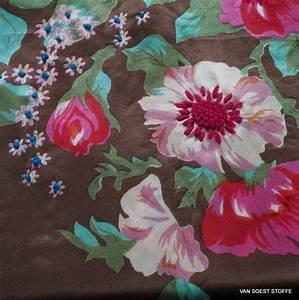 Stoff Mit Blumen : mit blumen bedruckter und bestickter 100 seidensatin stoff gemusterte stoffe stoffe mit ~ Watch28wear.com Haus und Dekorationen