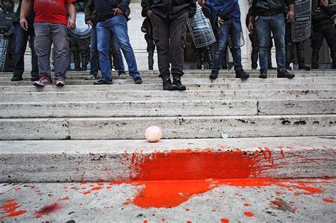 studenti roma roma studenti in corteo contro labuonascuola corriere it
