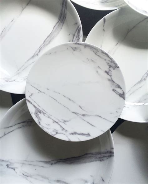 marble dinner plates 25 best ideas about carrara marble on marble 4003