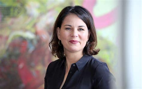 That would mean annalena baerbock would be germany's next chancellor. Bundestagswahl 2021: Annalena Baerbock traut sich Kanzleramt zu - Potsdam - PNN