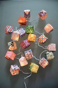 Guirlande Lumineuse Papier : guirlande cubes papier fifi mandirac guirlandes origami bricolage pinterest cubes ~ Teatrodelosmanantiales.com Idées de Décoration
