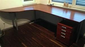 Schreibtisch Höhenverstellbar Ikea : ikea schreibtisch galant mit rollcontainer in mutlangen b rom bel kaufen und verkaufen ber ~ Markanthonyermac.com Haus und Dekorationen